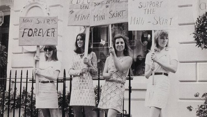 Mini-skirt-protest-704x400